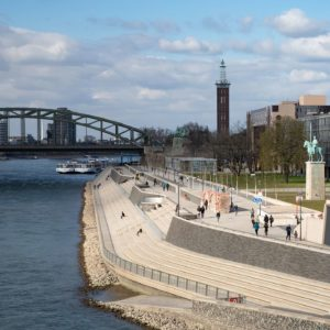 Am Rheinboulevard