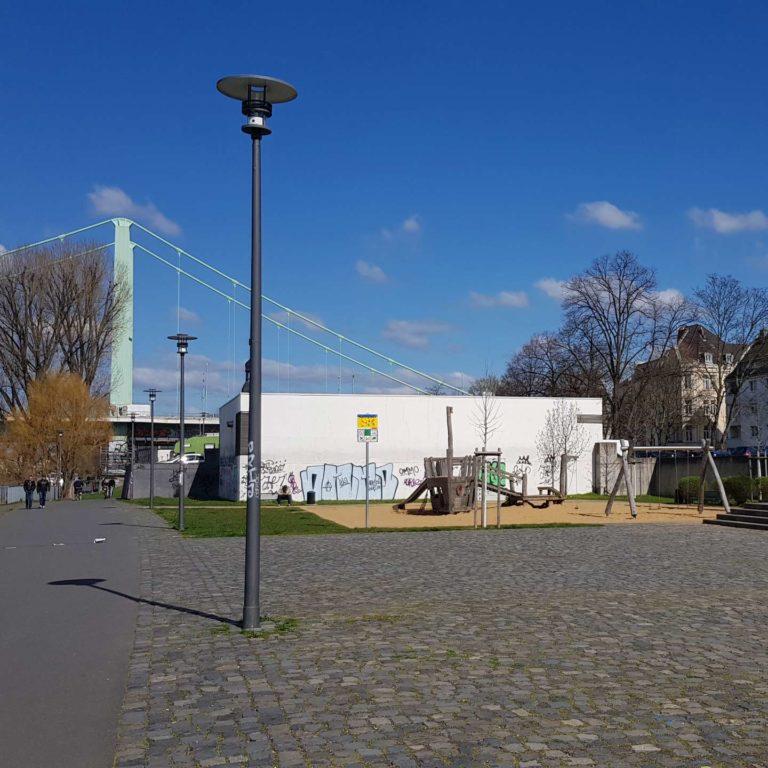 Leerer Spielplatz in Köln, Mülheim