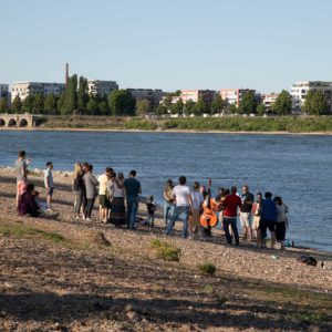 Musizieren am Rhein