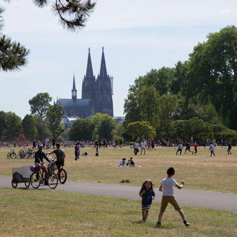 Blick auf den Rheinpark